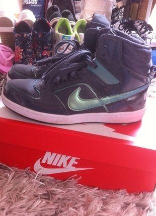 Nike dunk Limited Edition | Schuhe damen, Turnschuhe damen