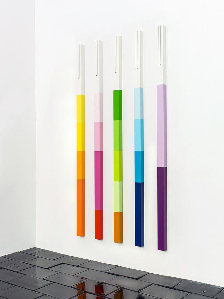 Bei der LINE Limited Edition MOUREAUX wird das Spiel mit Farben in eine neue, spannende Dimension geführt. Design: Emmanuelle Moureaux