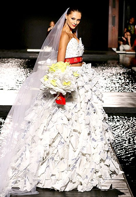 Say Hello To The Mcdcouture Runway Collection 20 Dresses Made From Mcdonald S Wrappers Fashion Dresses Fashion Show