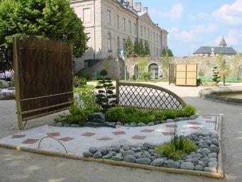parterre avec cailloux am nagement d 39 un petit jardin besoin de conseils au jardin d. Black Bedroom Furniture Sets. Home Design Ideas