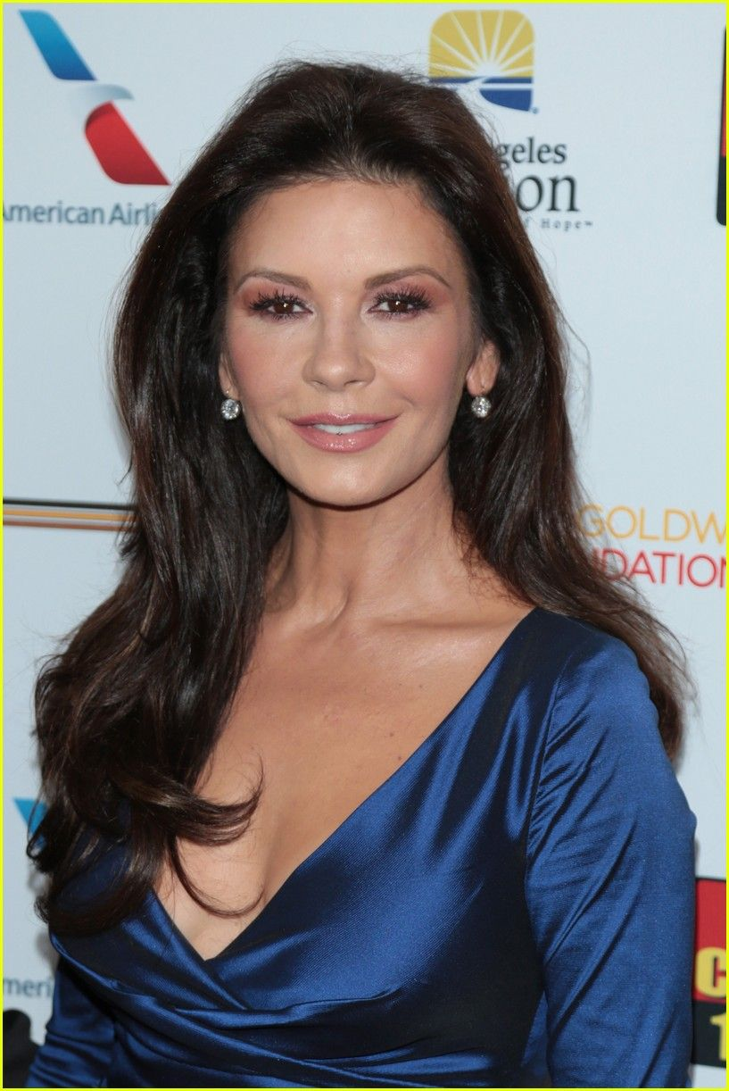 photo Catherine Zeta-Jones (born 1969)
