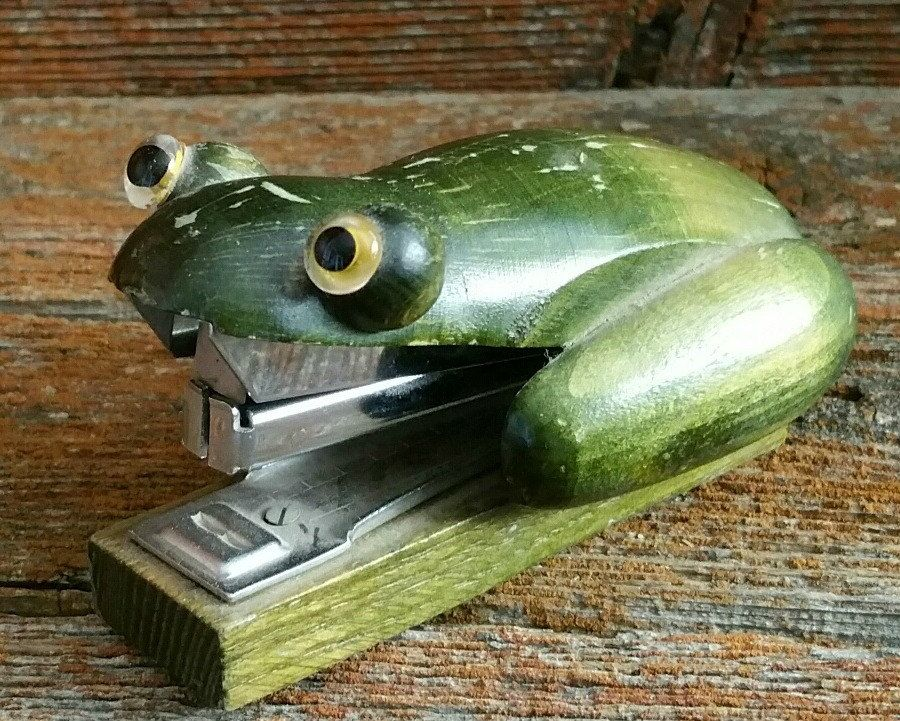 Vintage Wood An Frog Stapler Wooden Toad Office Supply Novelty