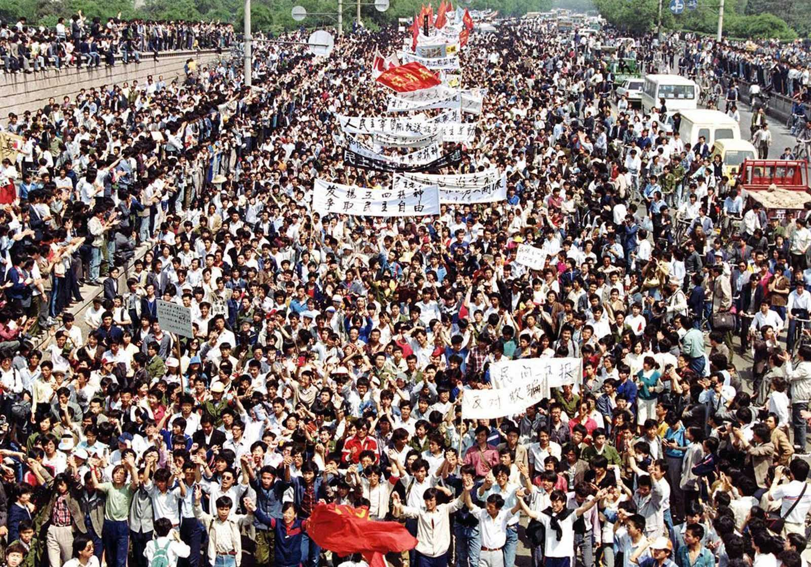 The Tiananmen Square Protests In Pictures 1989 Rare Historical Photos Photo Women Bags Fashion Authentic Designer Handbags
