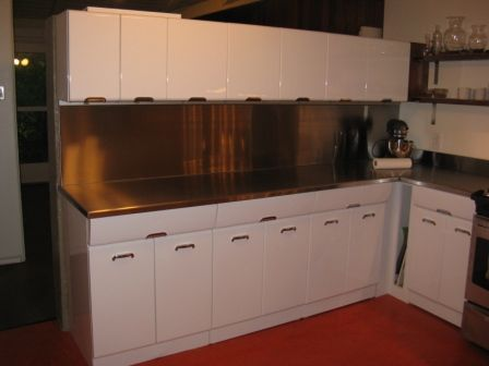 Garth And Martha Have Pro S Soda Blast And Electrostatically Paint Their Vintage Crosley Steel Kitchen Cabinets Metal Kitchen Cabinets Redo Kitchen Cabinets Steel Kitchen Cabinets