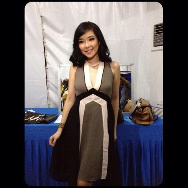 Gisel in Swinging Chiffon Dress for Konser Malang, November 18, Global TV