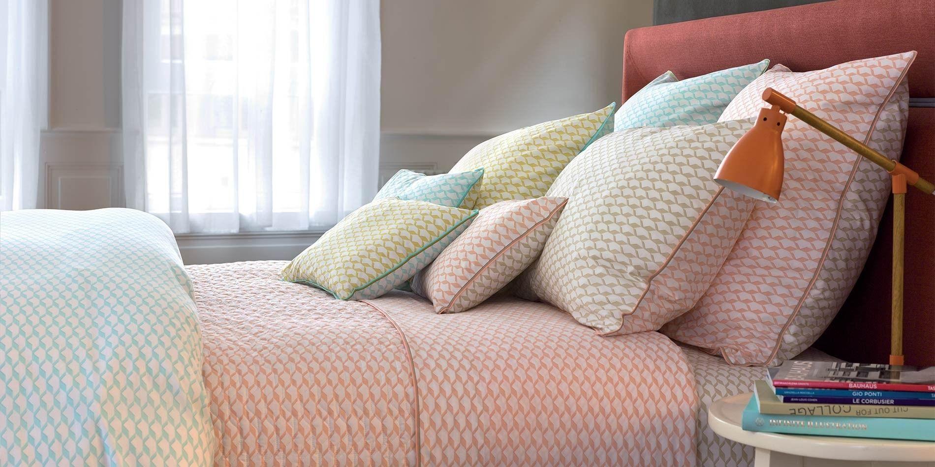 parure de lit voguer linge de lit parures de lit haut de. Black Bedroom Furniture Sets. Home Design Ideas