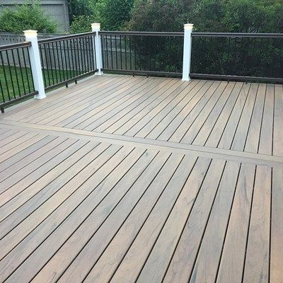 16 X 24 Composite Deck Onto House For A Family Of 4 To Enjoy There New House They Moved Into Composite Decking Patio Deck Designs Deck Flooring