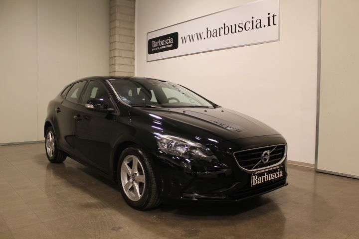 volvo v40 d2 1.6 powershift kinetic alimentazione diesel