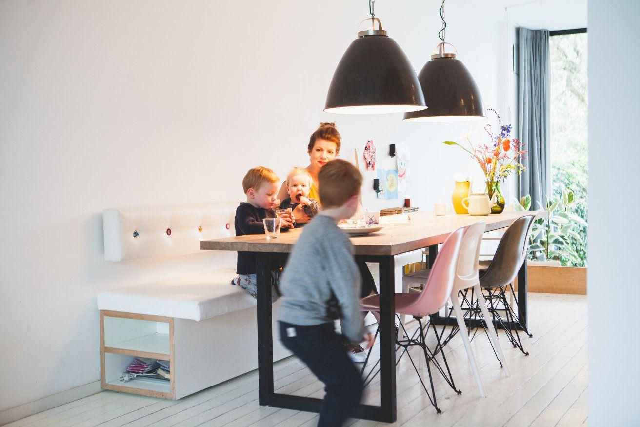 Eclectisch Familiehuis Amsterdam : Binnenkijken tijdloos design in het familiehuis van alexandra