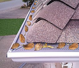 Premium Gutter Protection System For 5 Gutters Stops Leaves And Debris From Clogging Gutters Easy To Install On New Or Existing Gutters Casa Pequena