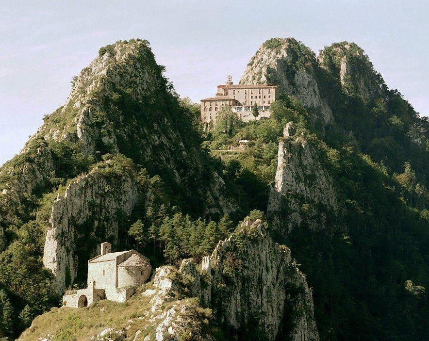 Berga Barcelona Catalunya Santuari De Queralt Spain Sitios Para Visitar Paisajes