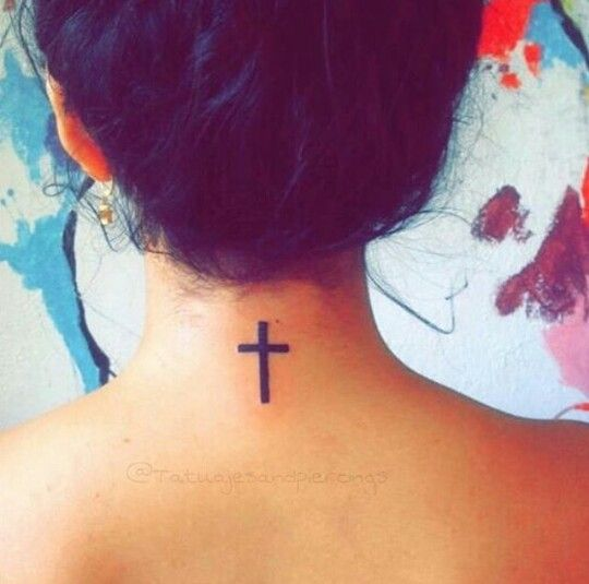 Tatouage Croix Dans La Nuque Tatouage Piercing Pinterest