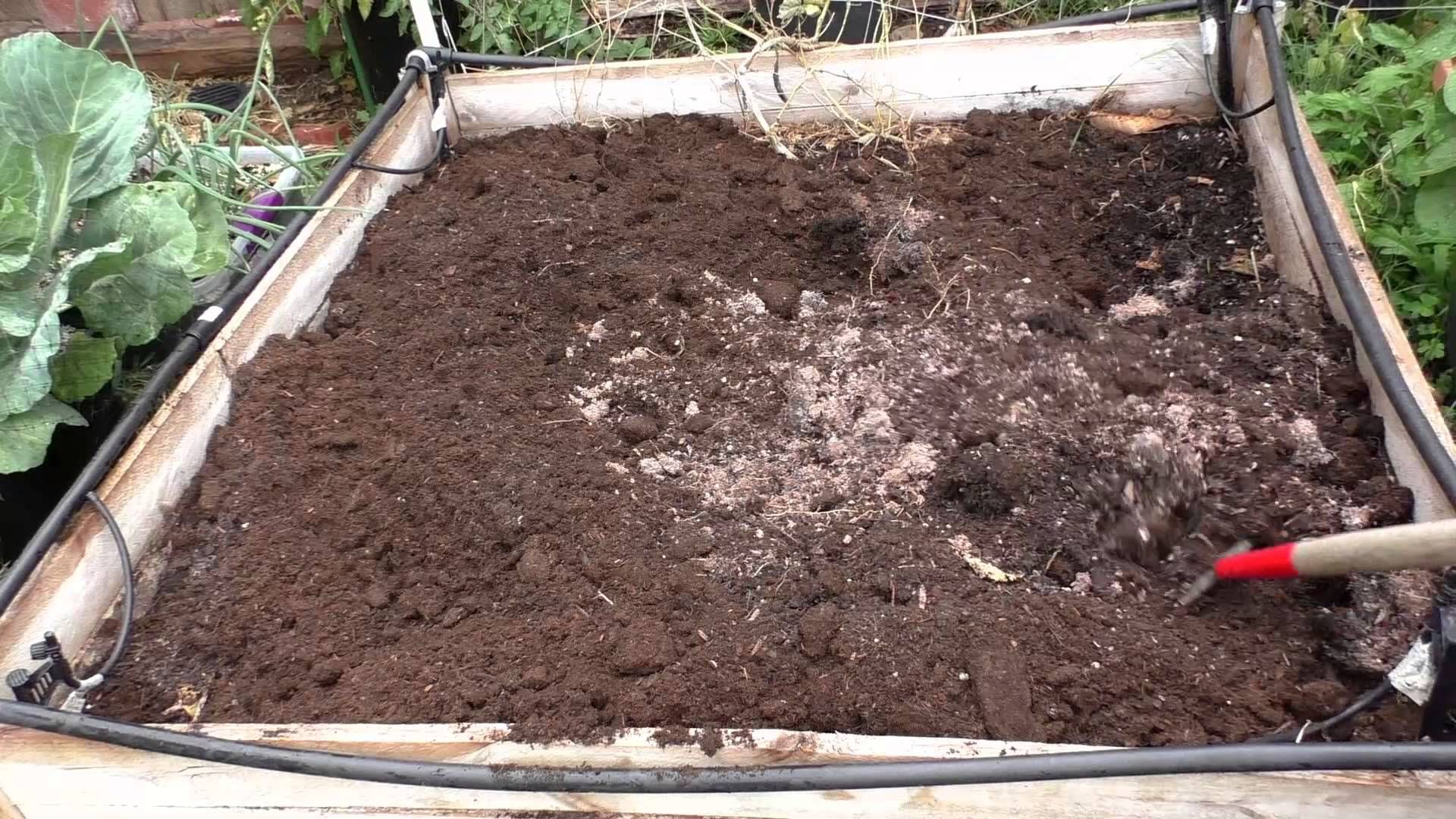 We Discuss Two Methods Of Preparing Your Raised Bed Soil Folks