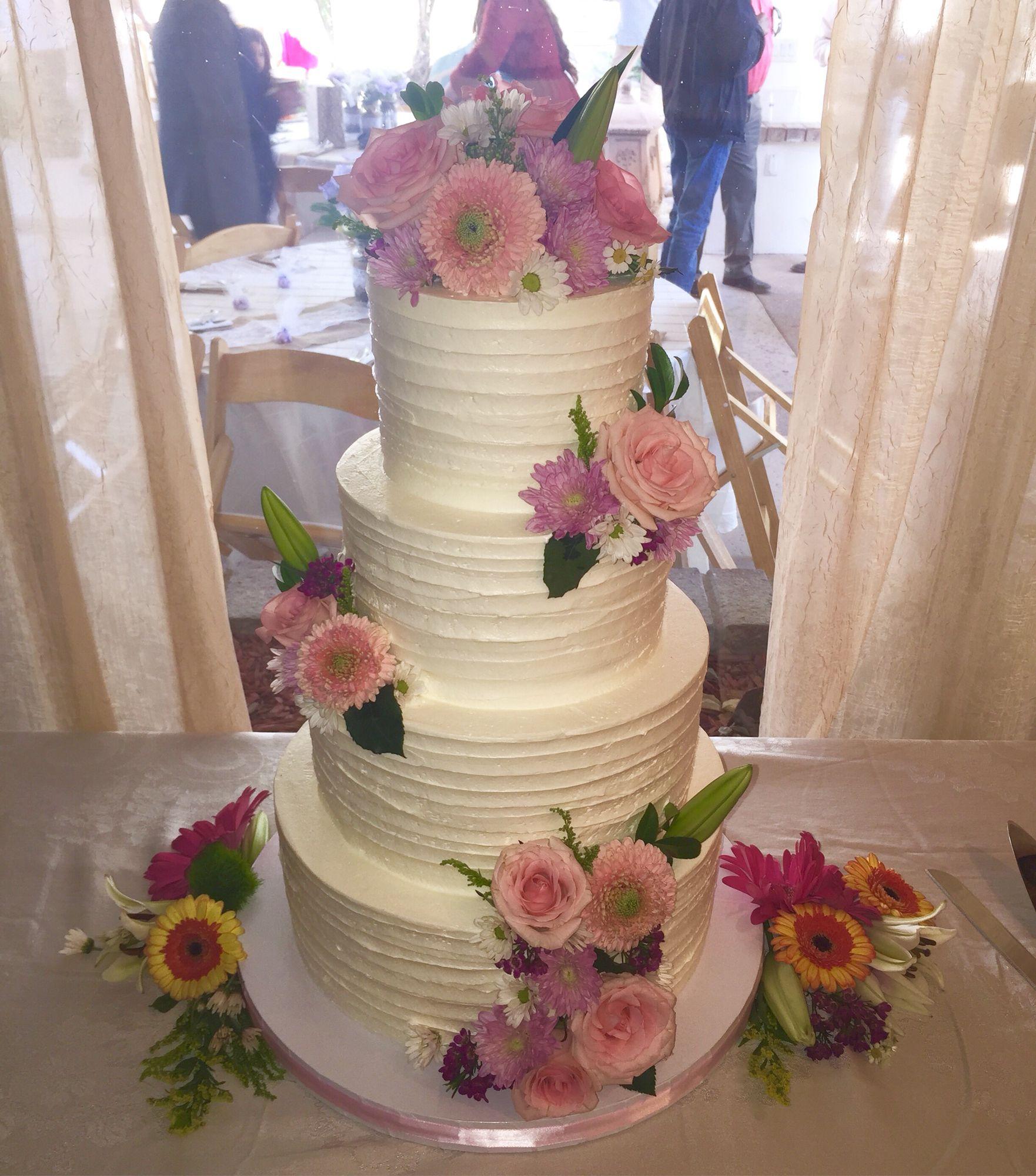 burlap and lace | Buttercream wedding cake, Cake, Wedding