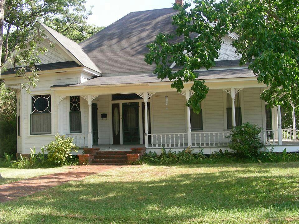Lufkin Texas, same house plan as ours! Rustic farmhouse
