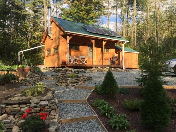 Vermont Cottage A living