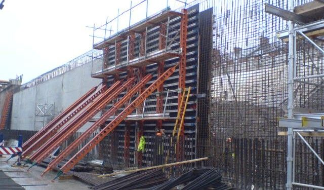 Wall Formwork Construction Of House Walls And Retaining Walls Concrete Retaining Walls Construction Retaining Wall