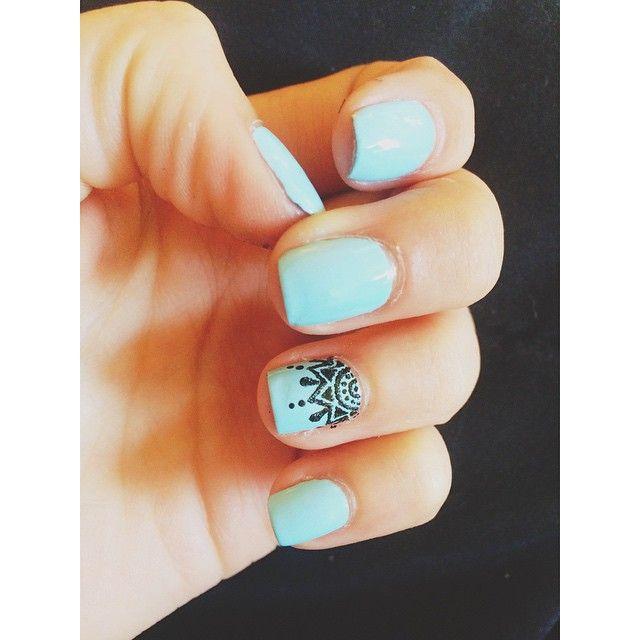 Mandala Minds Instagram Hand Painted Mandala Nail Design Essie