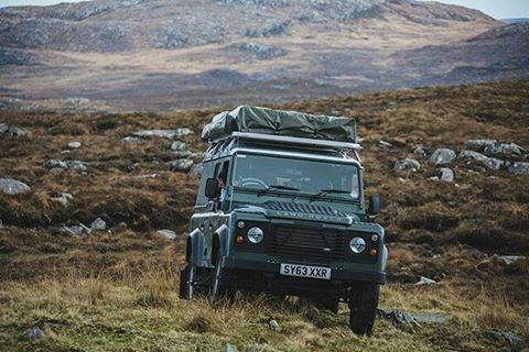 A very pretty #defender110csw in ever majestic #scotland. By @jdnphotography for @outdoorx4 #landrover #landroverdefender #landroverphotoalbum #4x4 #offroad