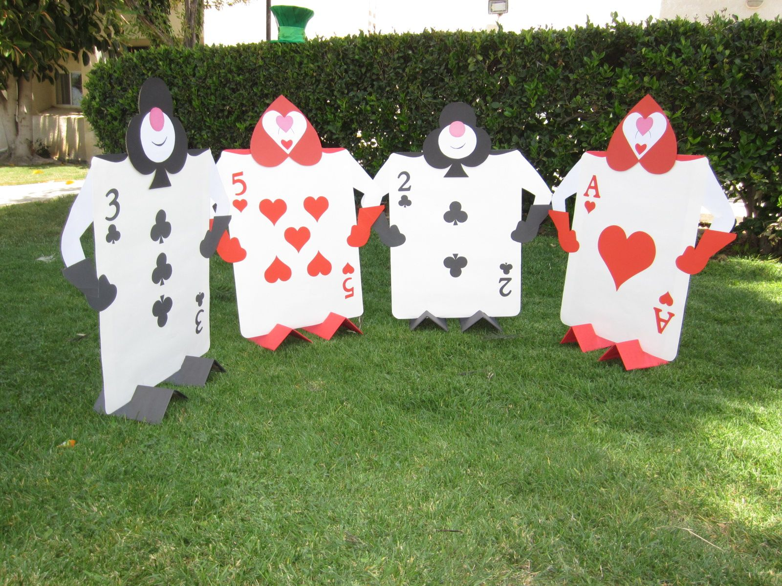 The Card Soldiers Came Out Pretty Good Supplies Include 4 Poster Boards Blac Alice In Wonderland Diy Alice In Wonderland Tea Party Alice In Wonderland Party