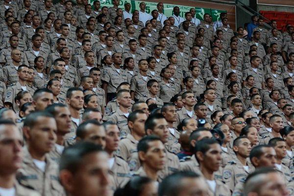 maduro_en: RT correoorinoco: Maduro creates the Great Mission Guaranteeing Peace for police officers https://t.co/b1Du8OHO1k NicolasMaduro