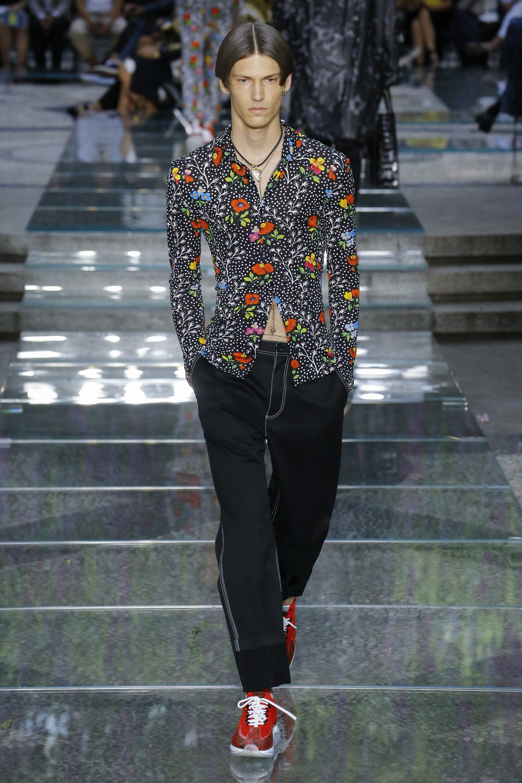 Versace Spring 2019 Menswear Fashion Show Mens fashion