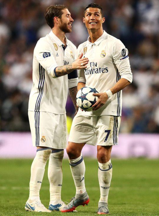 Ramos And Ronaldo After The 4 2 Win Vs Bayern 6 3 On Agg Ronaldo Real Madrid Real Madrid Football Cristiano Ronaldo