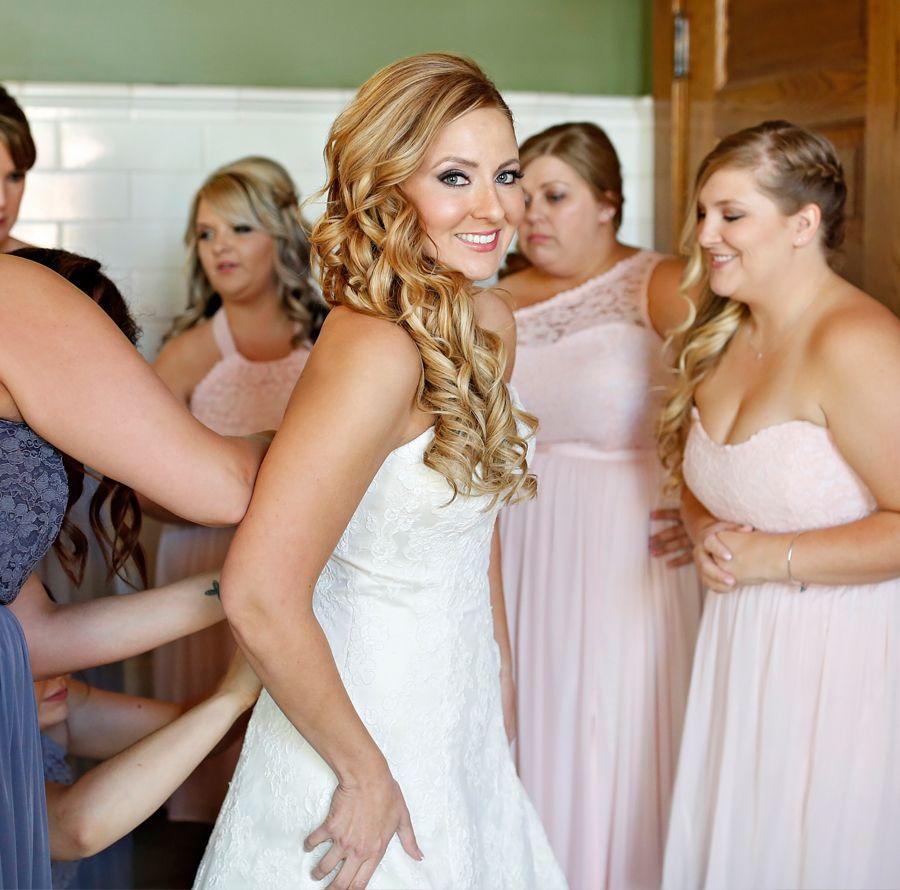 Wedding Photo Ideas - Getting Ready Photos - Bride with Bridesmaids ...