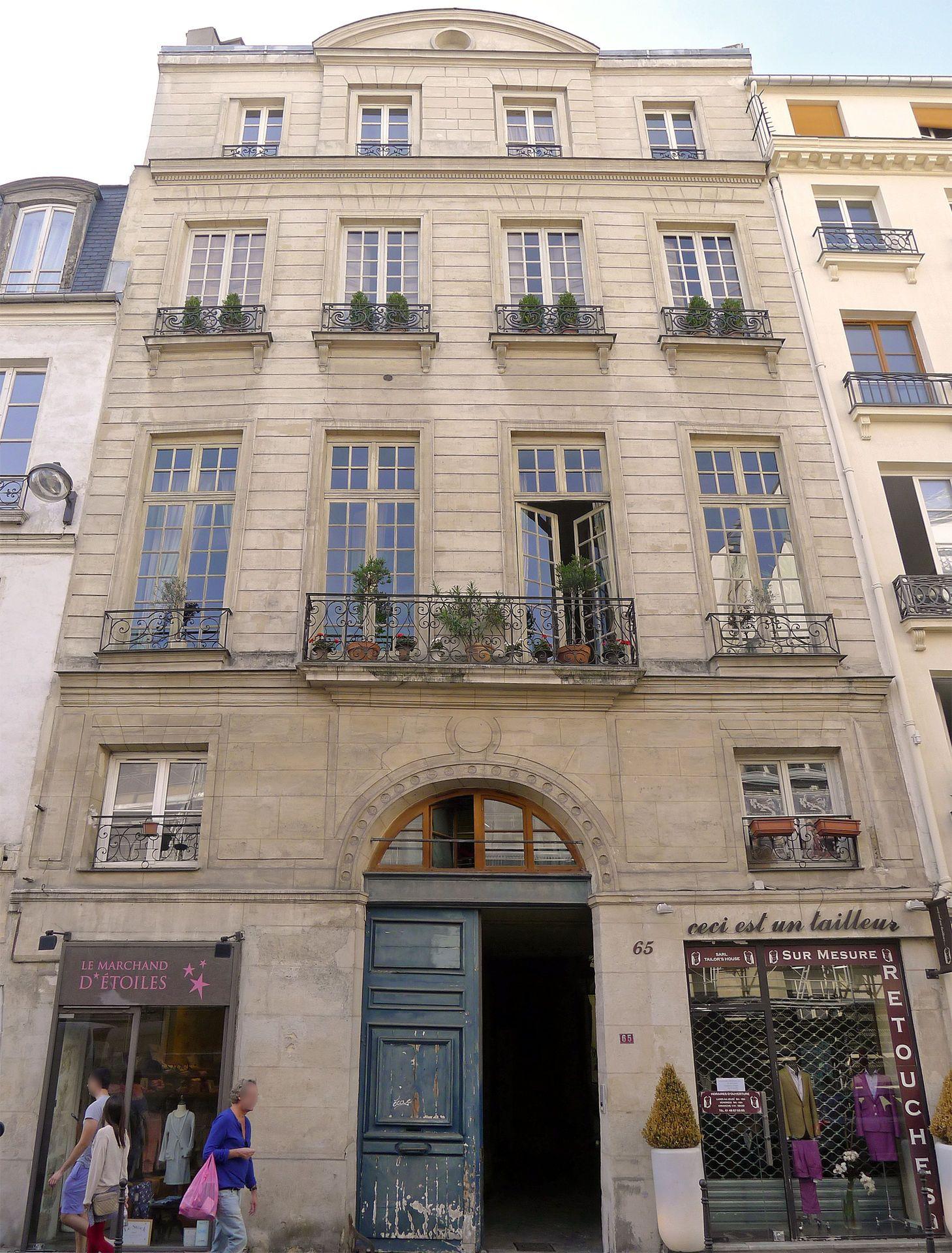 Hôtel de Pologne, 65 Rue de Turenne Paris 3e | Paris, 3e, Temple ...