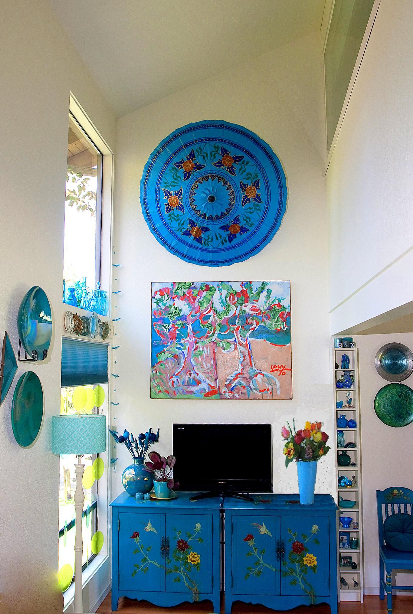 Turquoise Living Room Design Inspired By Beauty Of Water