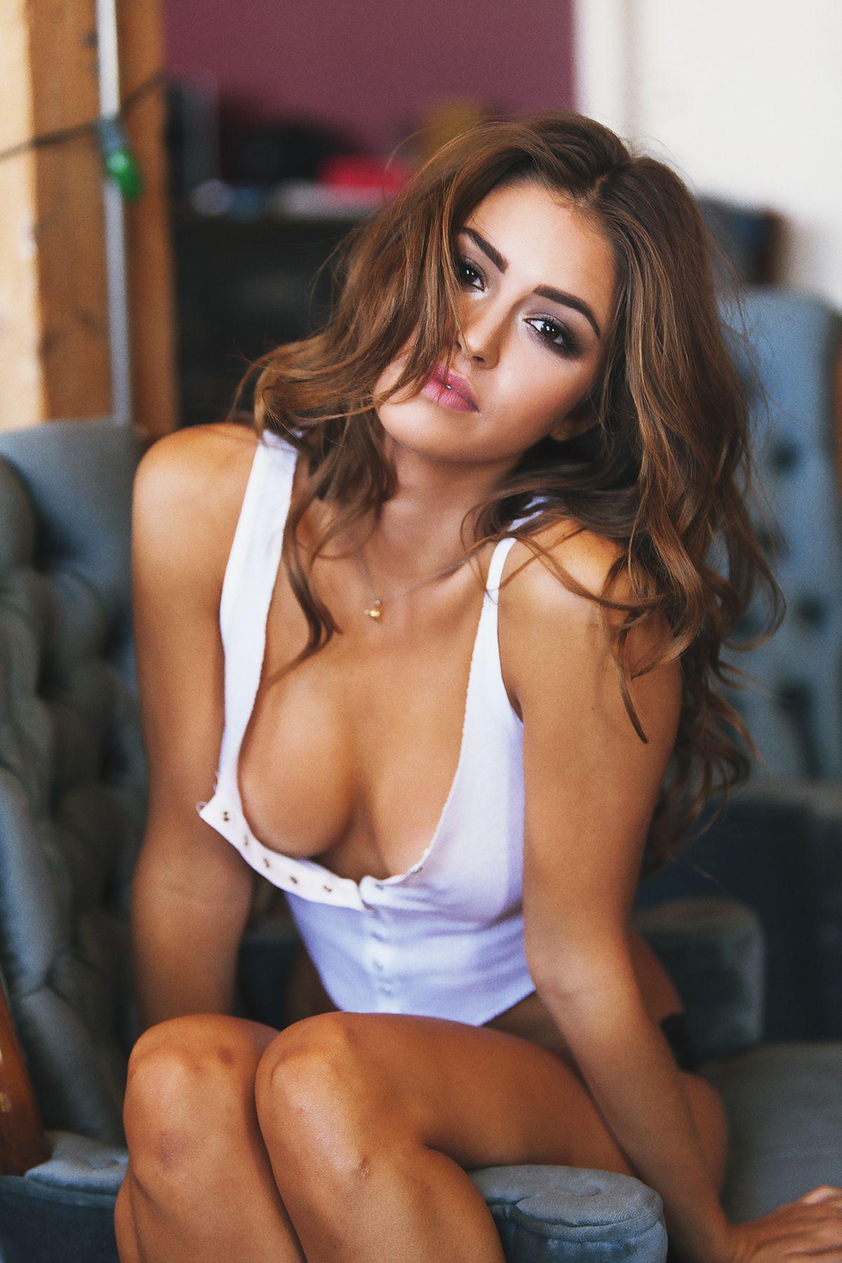 Hot brunette DP
