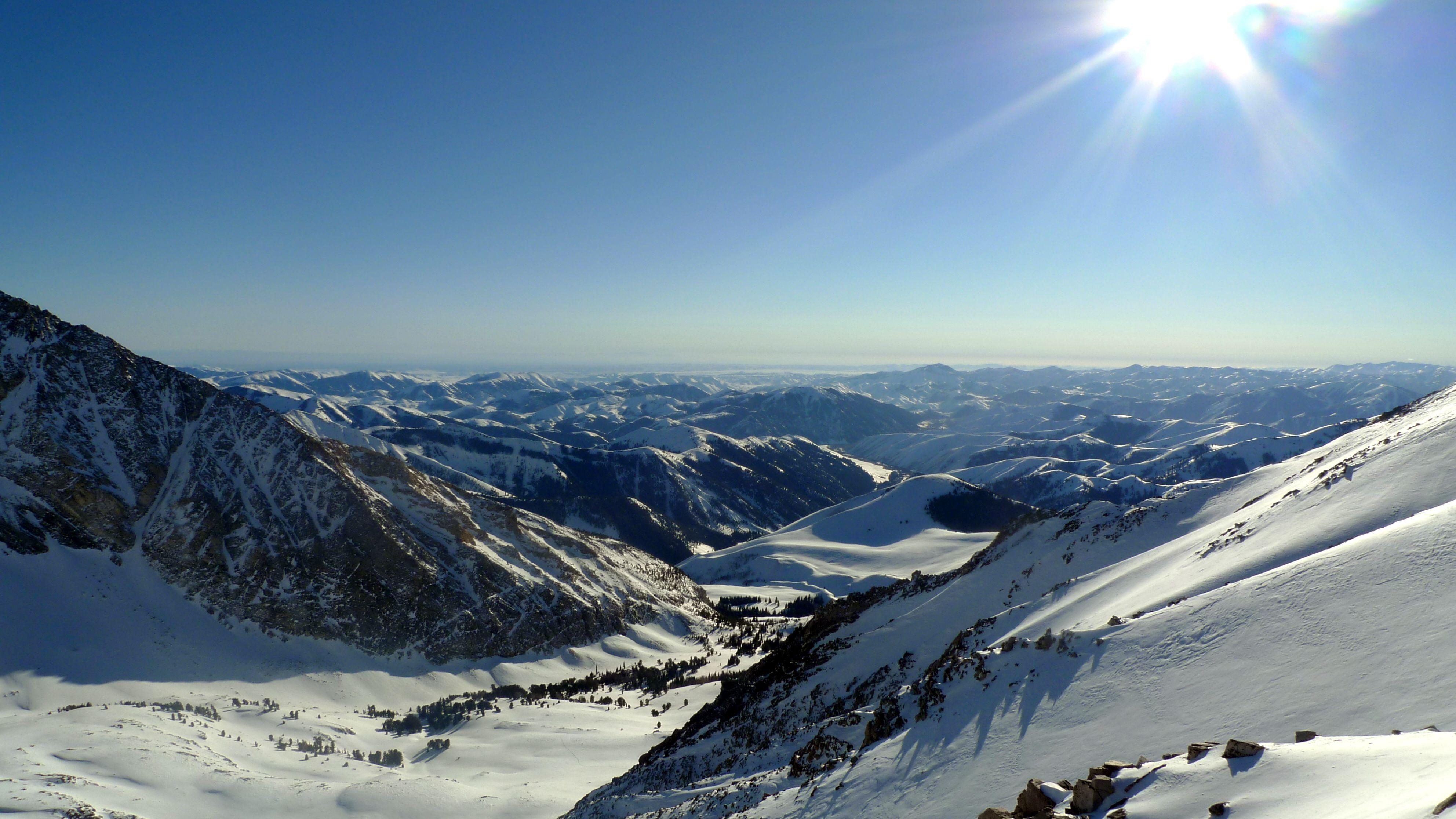 Winter Ascent on Hyndeman Peak