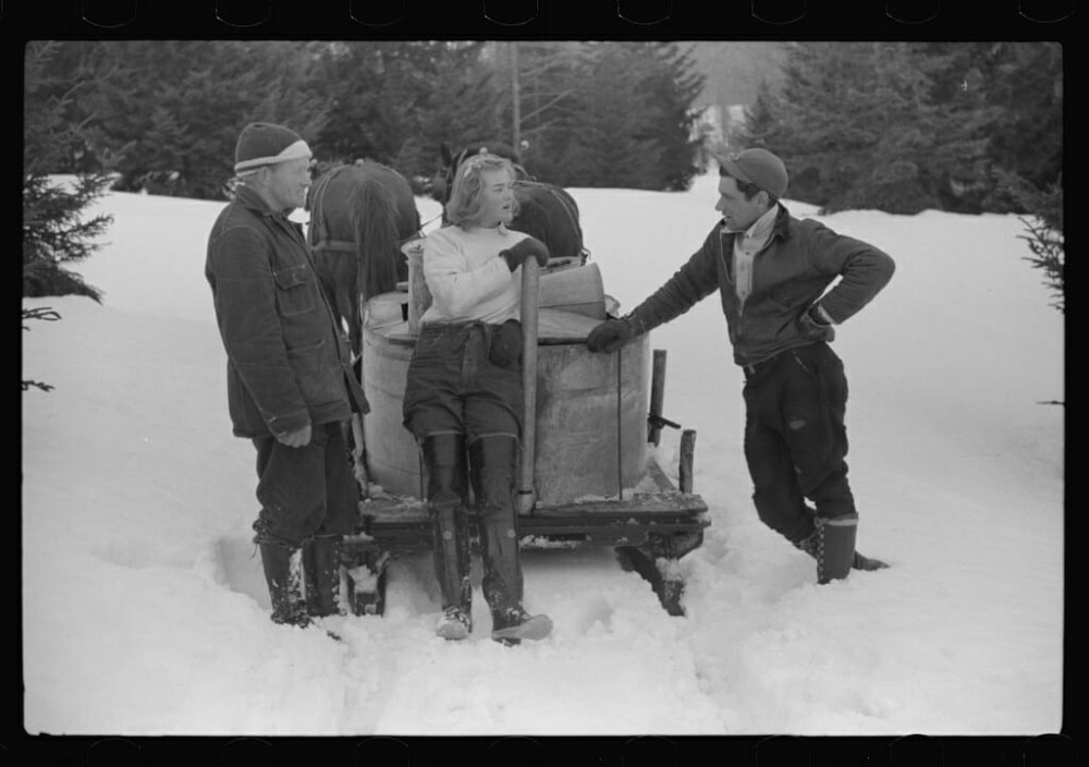 15 sweet vintage snapshots of making maple syrup  maple syrup modern farmer vintage
