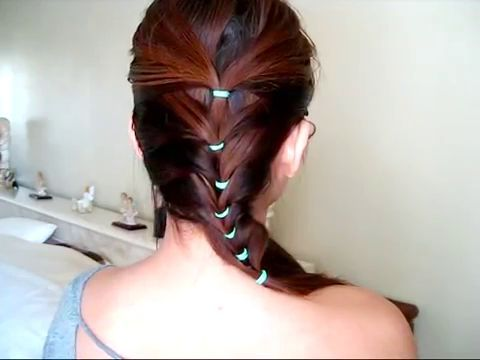 A Cute And Easy Hairstyle For School Video Tutorial Cute Girls