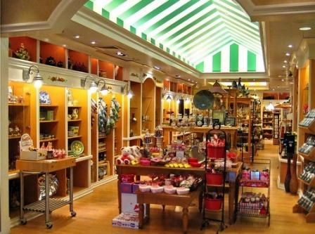 Best 25 store layout ideas on pinterest retail store - Interior design for retail stores ...
