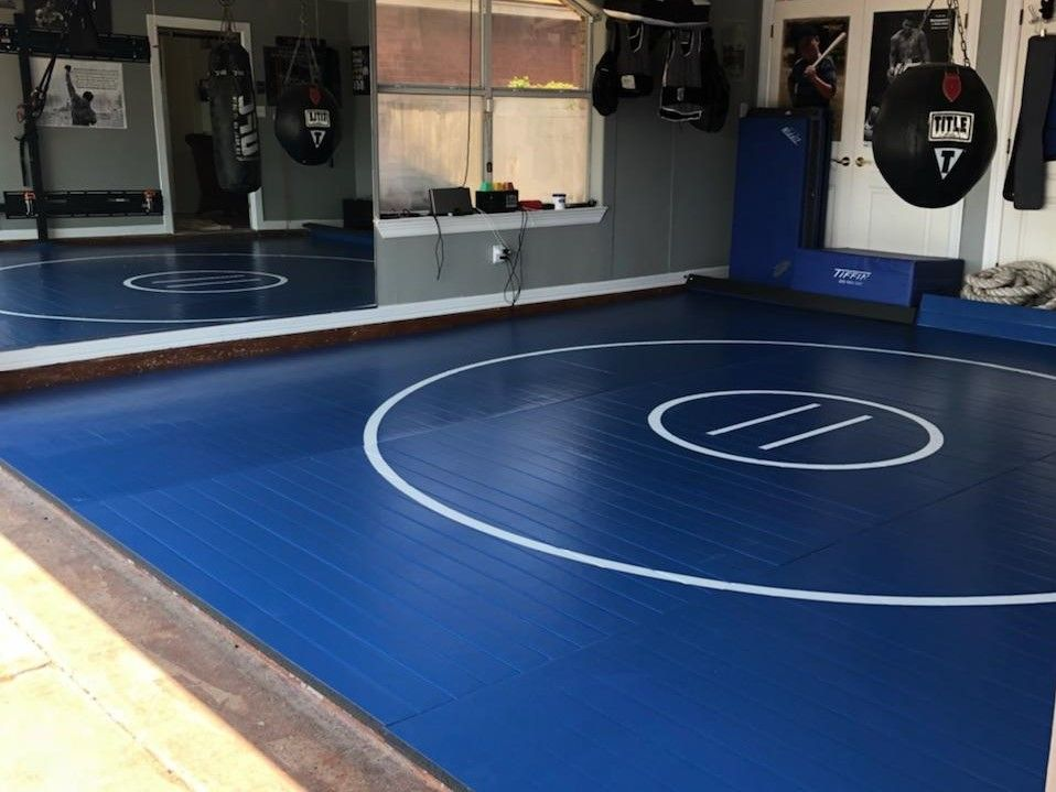 Quick Ship 16 X 16 X 1 3 8 Roll Up Wrestling Mat Blue With White Lines Wrestling Mat Indoor Sports Court Gym Design