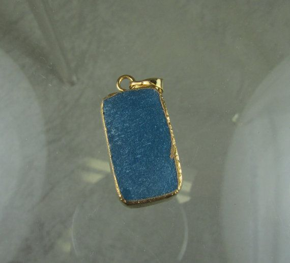 licht blauwe drusy druzy hanger goud verguld door OneBeadAtATime2