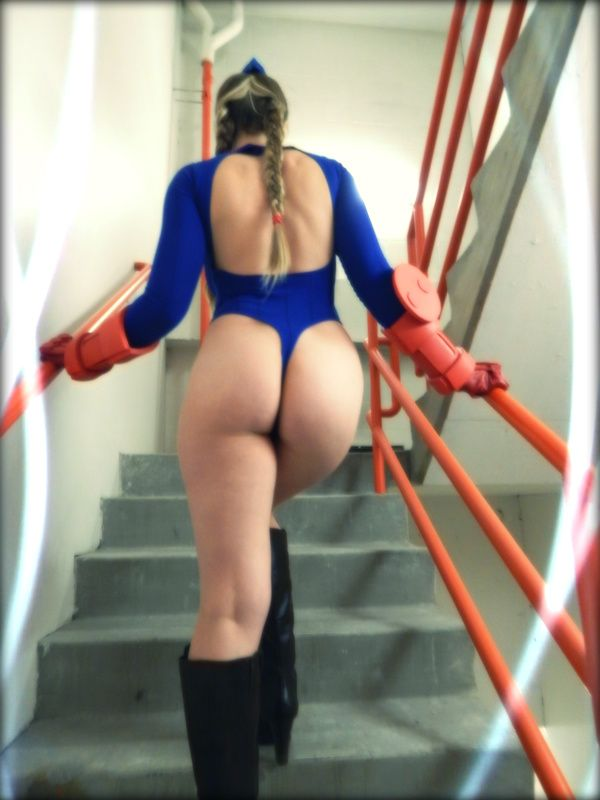 Sexy cammy ass