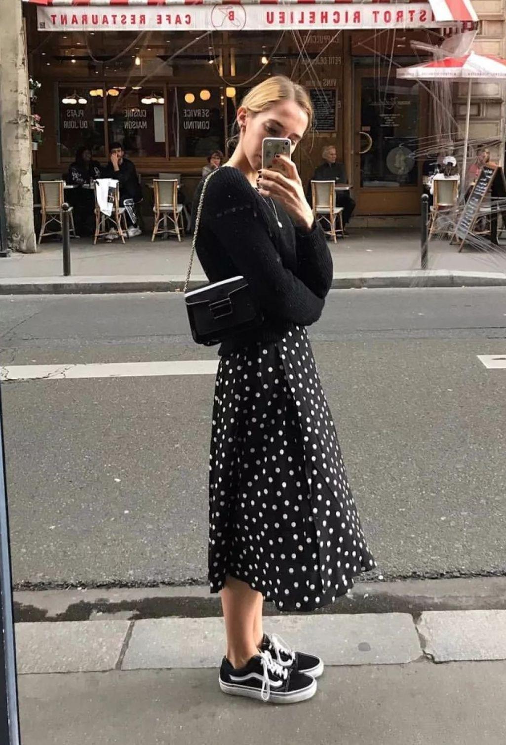 e6443bdd5 Tendência Poá, tendência bolinha, moda bolinha branca, moda bolinha preta,  vestido de bolinha preto, vestido de bolinha branca, vestido de bolinha, ...