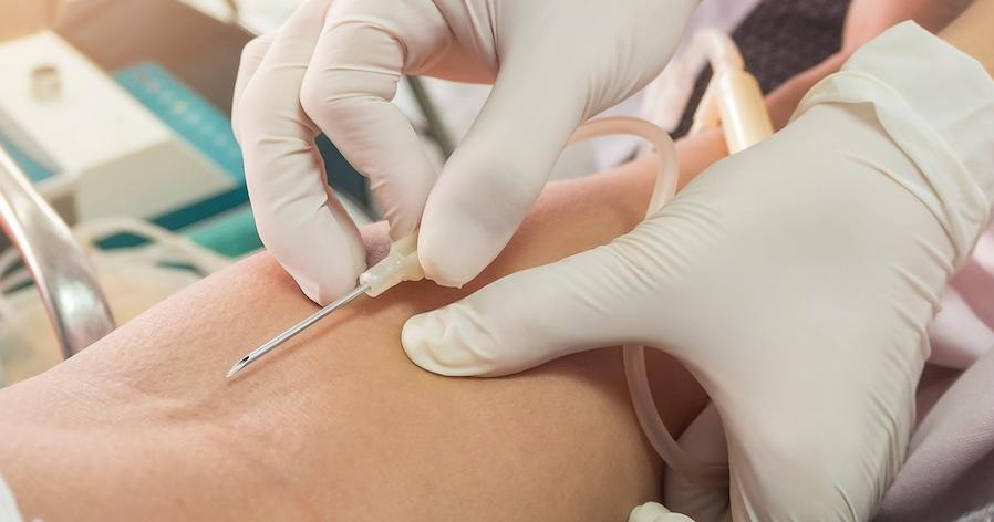 Menakjubkan 28 Gambar Tangan Sedang Di Infus 50 Tips Cara Pemasangan Infus Dalam 1 Tusukan Anti Gagal Nerslicious Seberapa P Di 2020 Gambar Tangan Menggambar Tangan