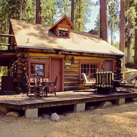 A Small Simple Cabin Wooded Hideaways Cozy Cabins Pinterest