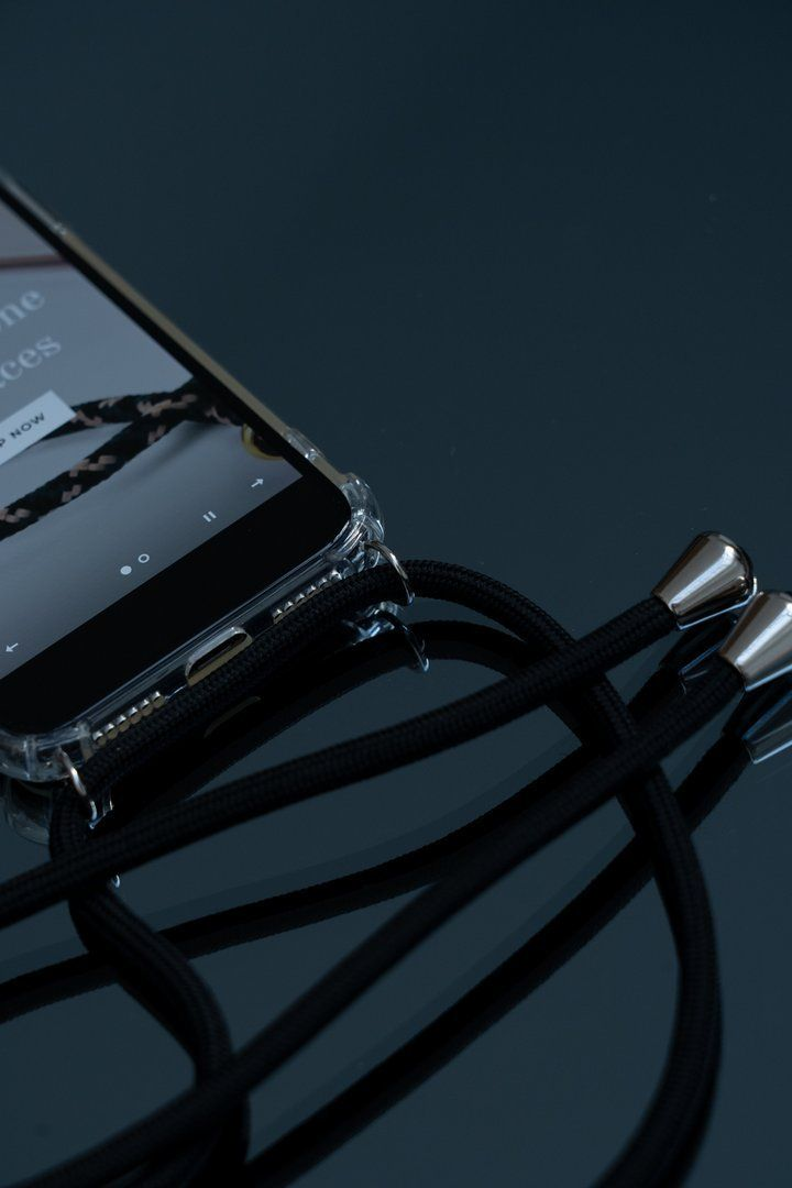 Hands Free Smartphone Necklaces – Stylish New Deals