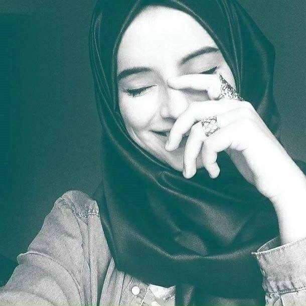 She was a domestic abuse survivor, pleading for understanding. Follow Z A I N A B Hijab Beautiful Hijab Arab Girls Hijab