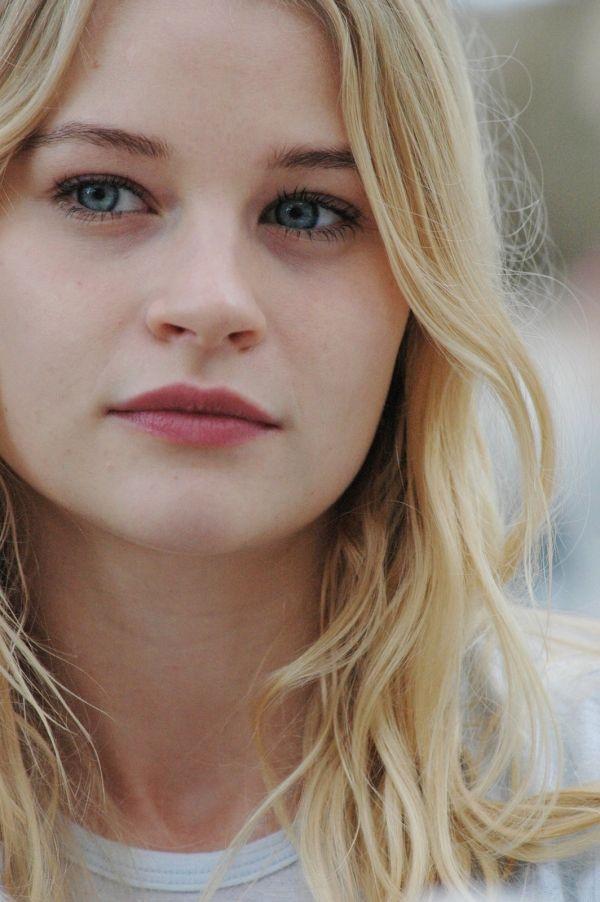Emilie De Ravin Emilie De Ravin Beautiful Eyes Beaut