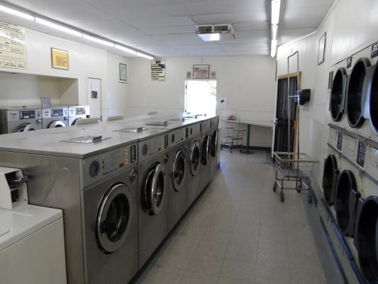 Absentee Run Laundromat Available For Sale In Escondido California Lots Of Apartments And Clients Nearby The Owner Of This San Diego Area Laundromat Is Sellin