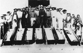 025_Tina Modotti (attribuita), Senza titolo (Campesinos giustiziati dai cristero -