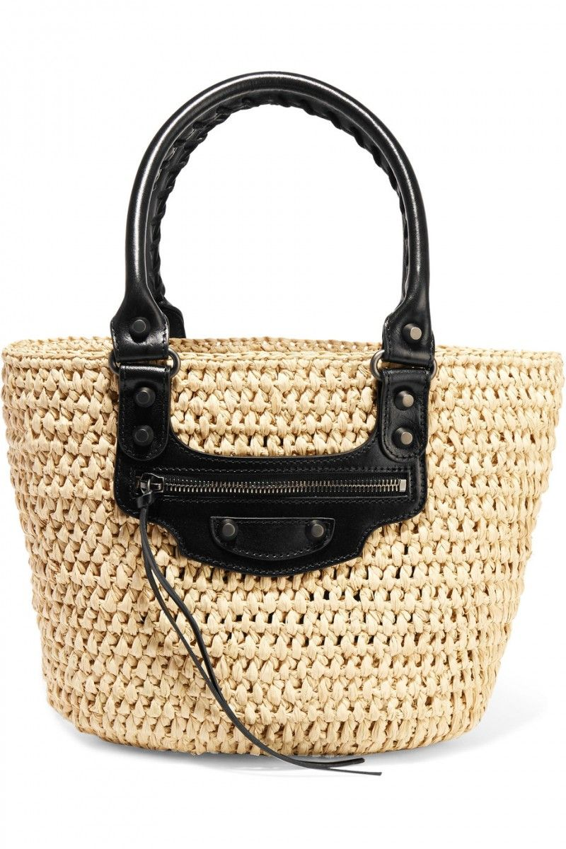 The Newest Bag Trends Fashion Girls Are Investing In This Spring 2017 a372b6e7302f8