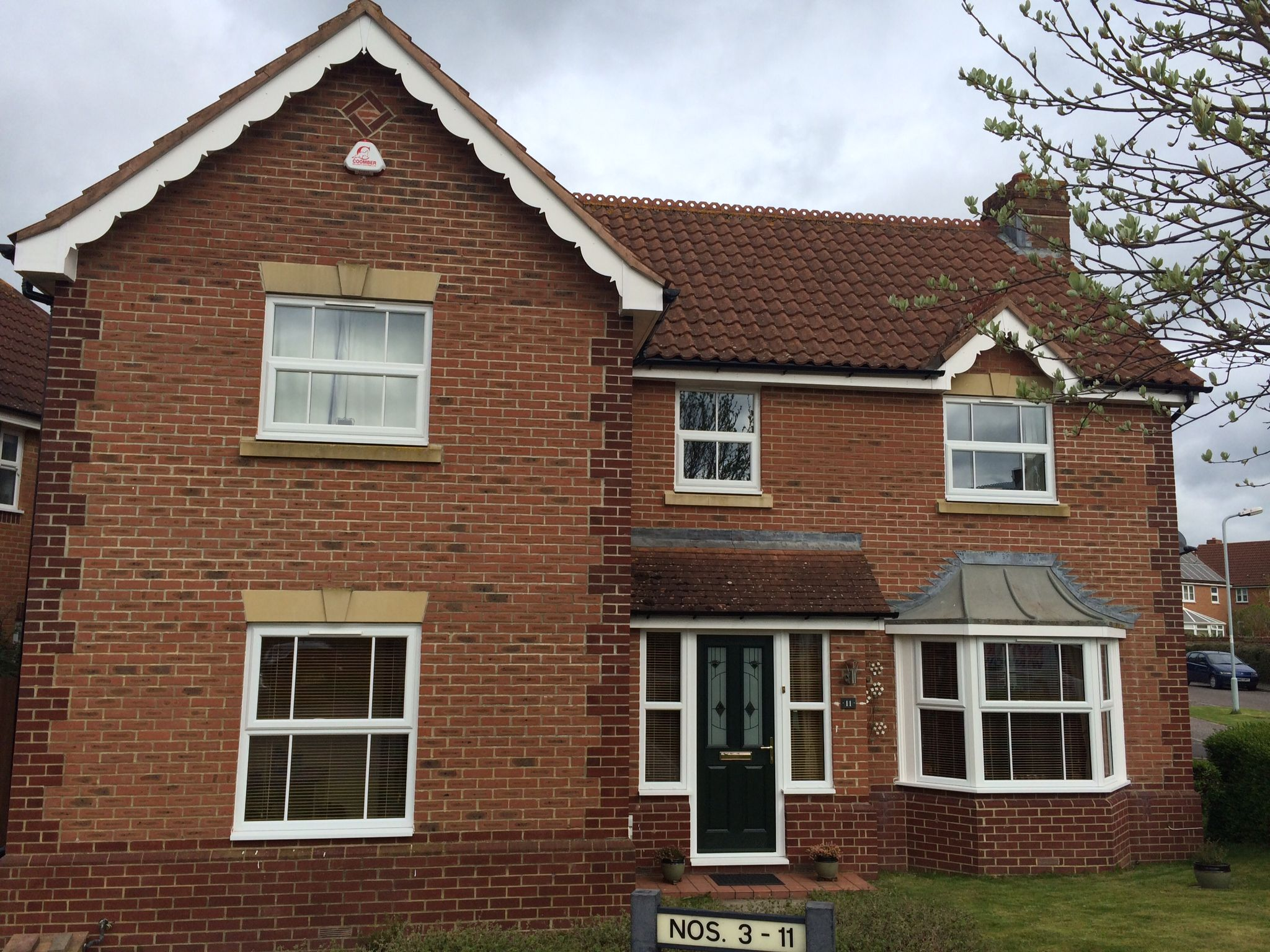 Best White Casement Windows In Somerset Roof Tiles Clay Roof 400 x 300