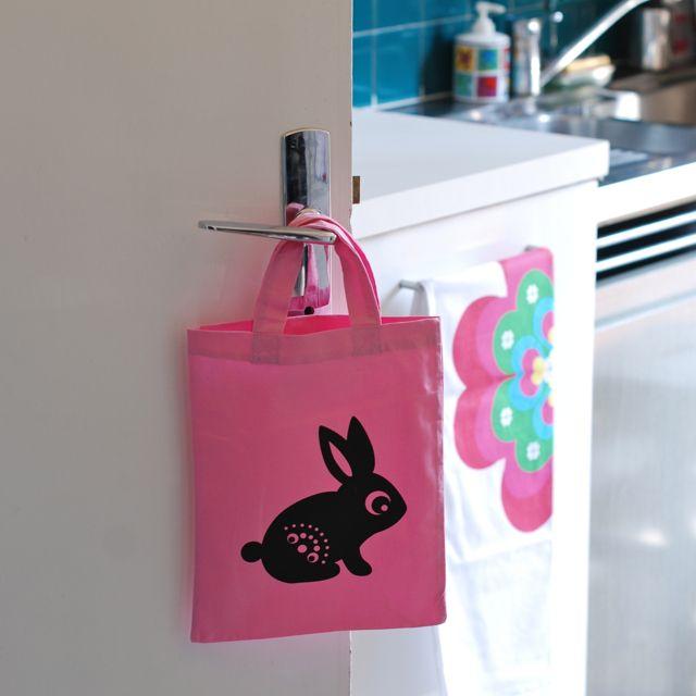 5 - sac Hipp 10,5€ http://deco-graphic.com/sacs-cabas-tote-bag/1485-petit-sac-lapin.html