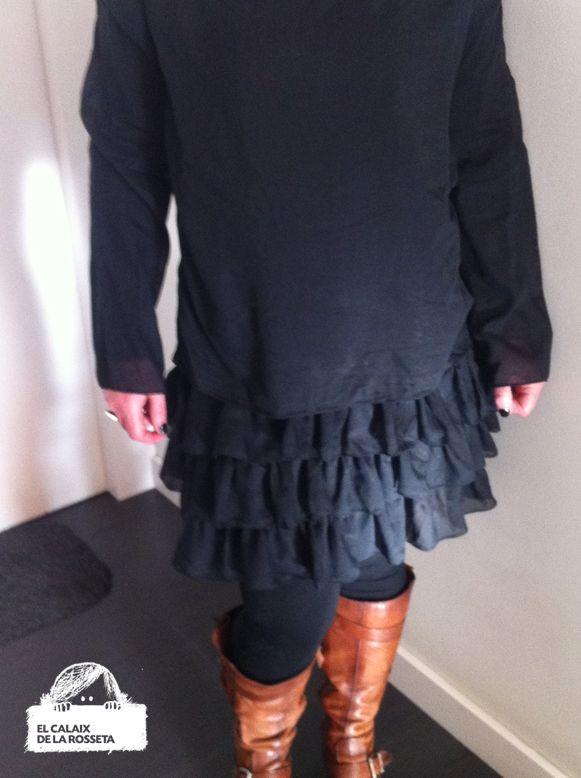 El Calaix de la Rosseta: Vestido negro de volantes